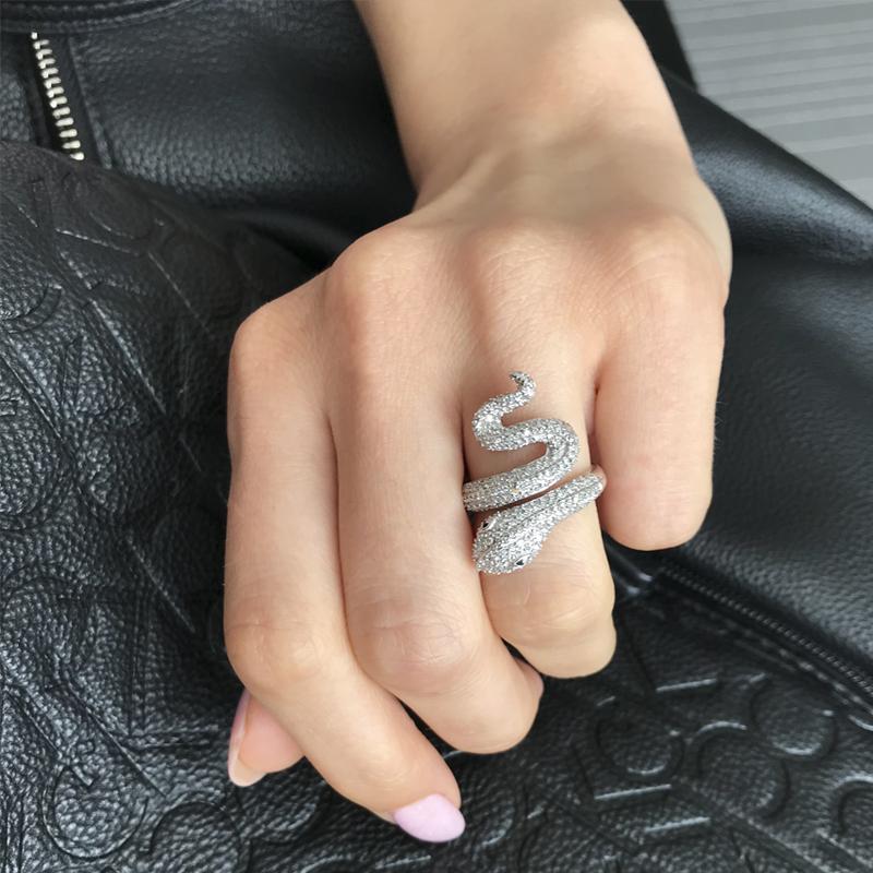сребърен пръстен змия с камъни