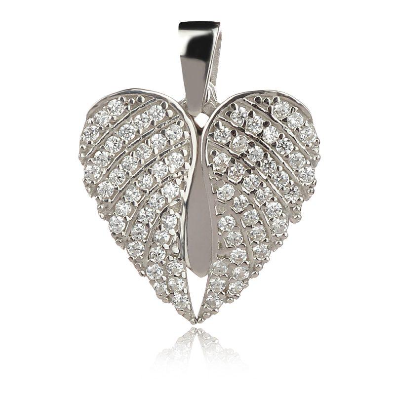 сърце под ангелски крила