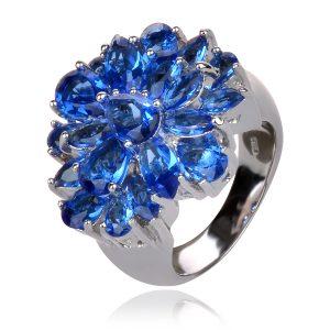 сребърен коктейлен пръстен със сини цирконии
