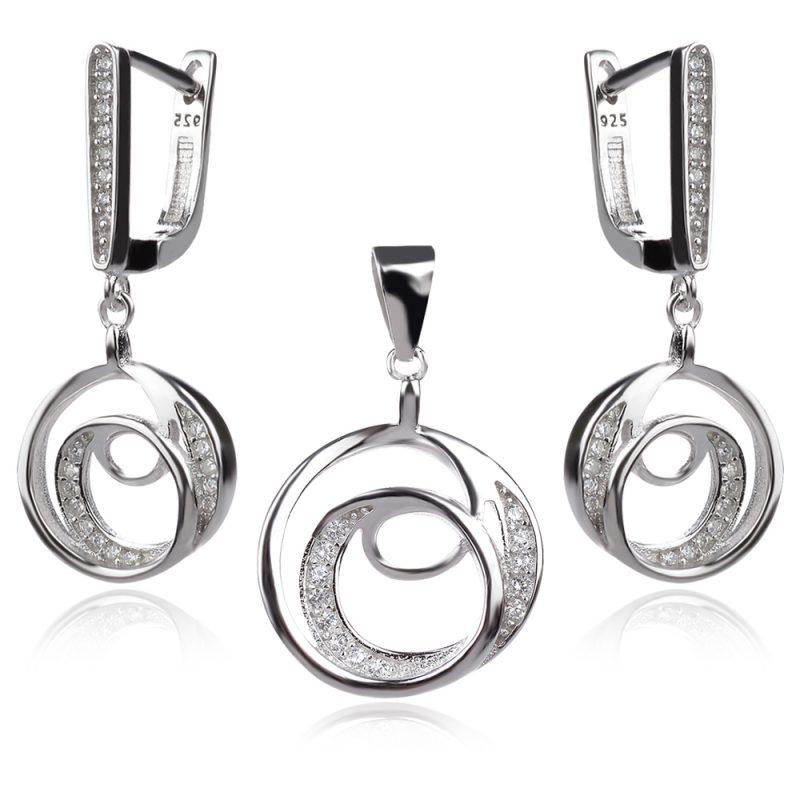 сребърен комплект обеци и медальон