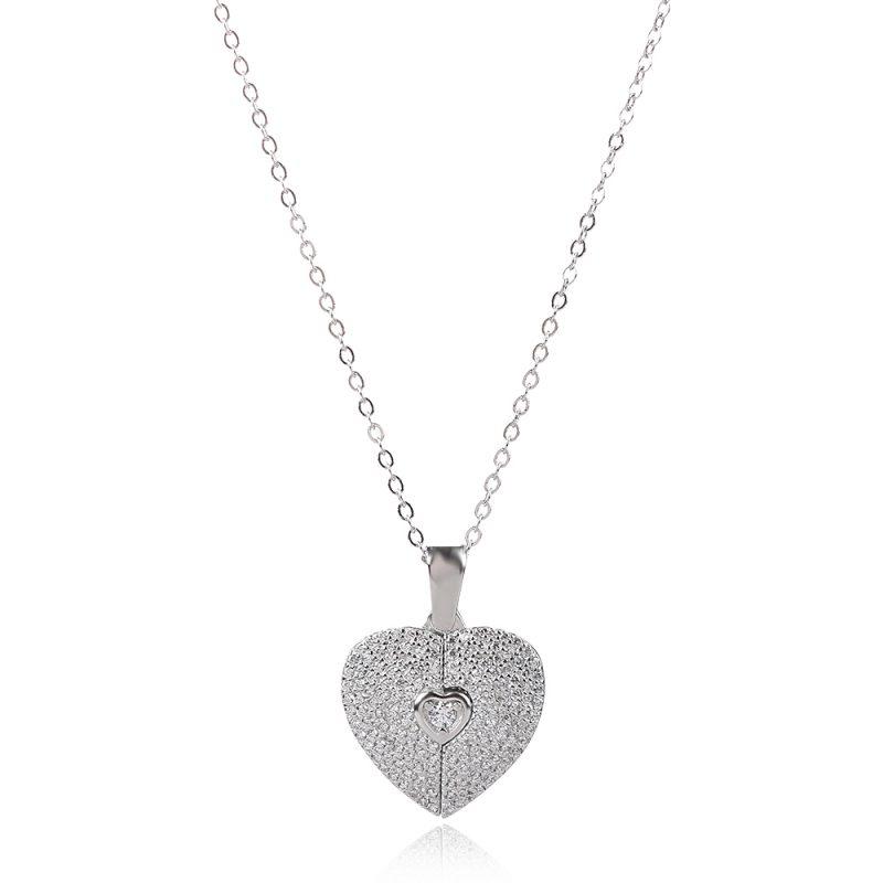 колие отварящо се сърце с камъни