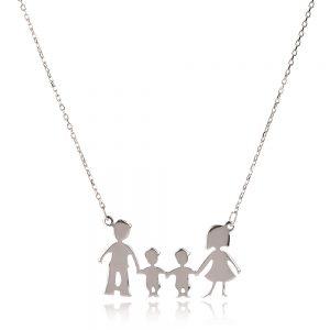 колие семейство с две момченца; мама, татко и братя