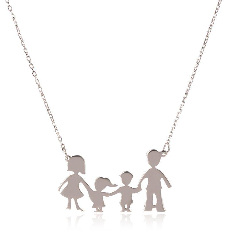 колие семейство с момченце и момиченце