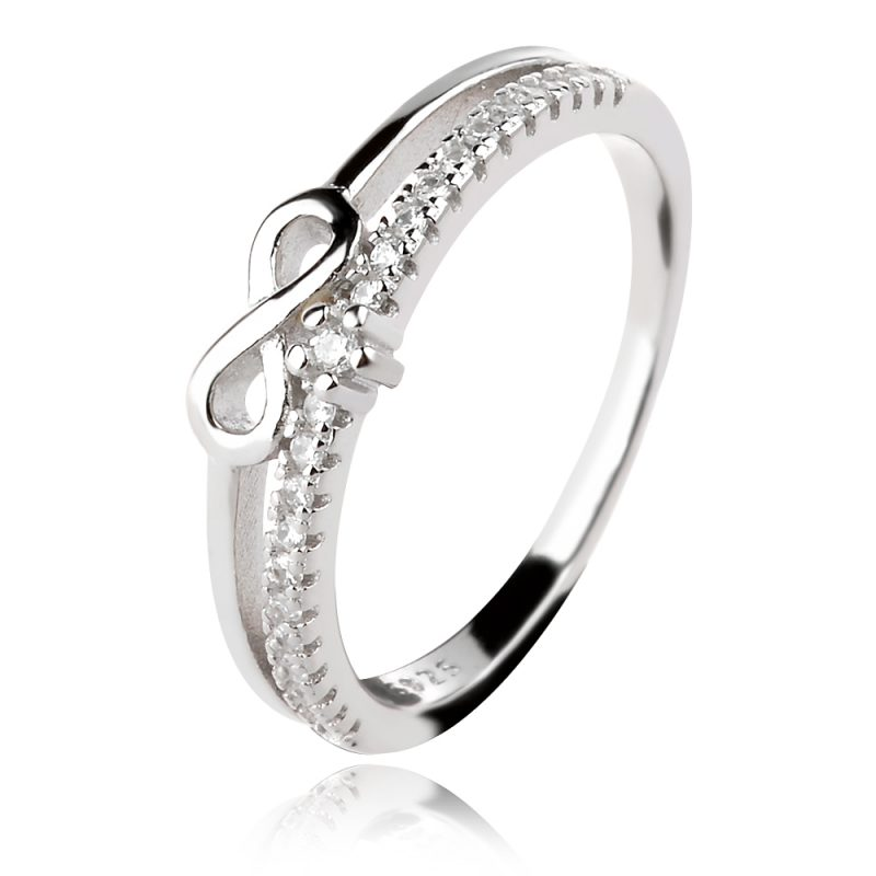 пръстен с безкрайност