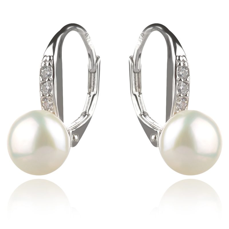 малки нежни сребърни обеци с перла
