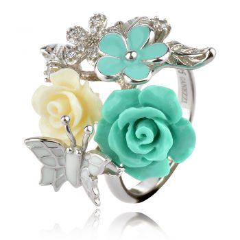 сребърен пръстен със зелени коралови рози и бяла пеперуда