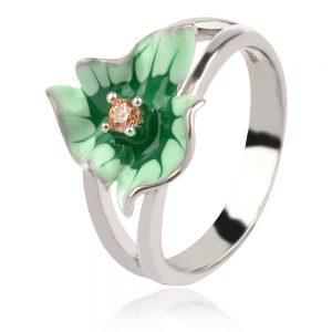 сребърен пръстен със зелено цвете