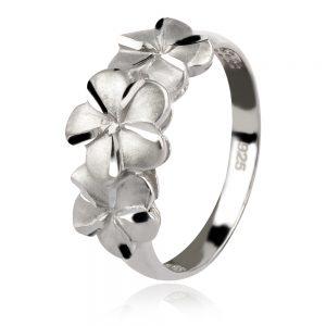 нежен сребърен пръстен с цветя