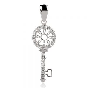 сребърен медальон с цирконии,ключ