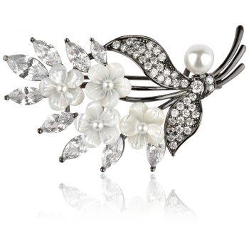сребърна брошка с цветя от бял седеф